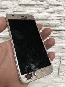 Zamena ekrana za Samsung Galaxy J3 2017 (J330F)