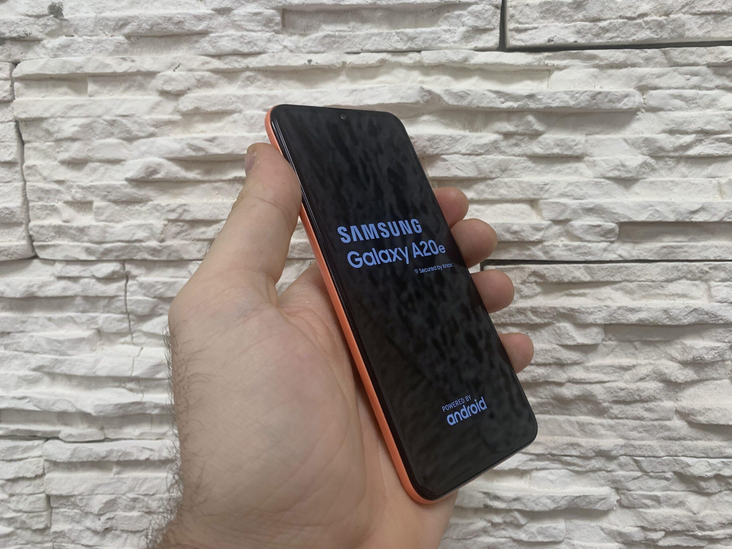 zamena stakla ekrana displej za samsung galaxy a20e cena